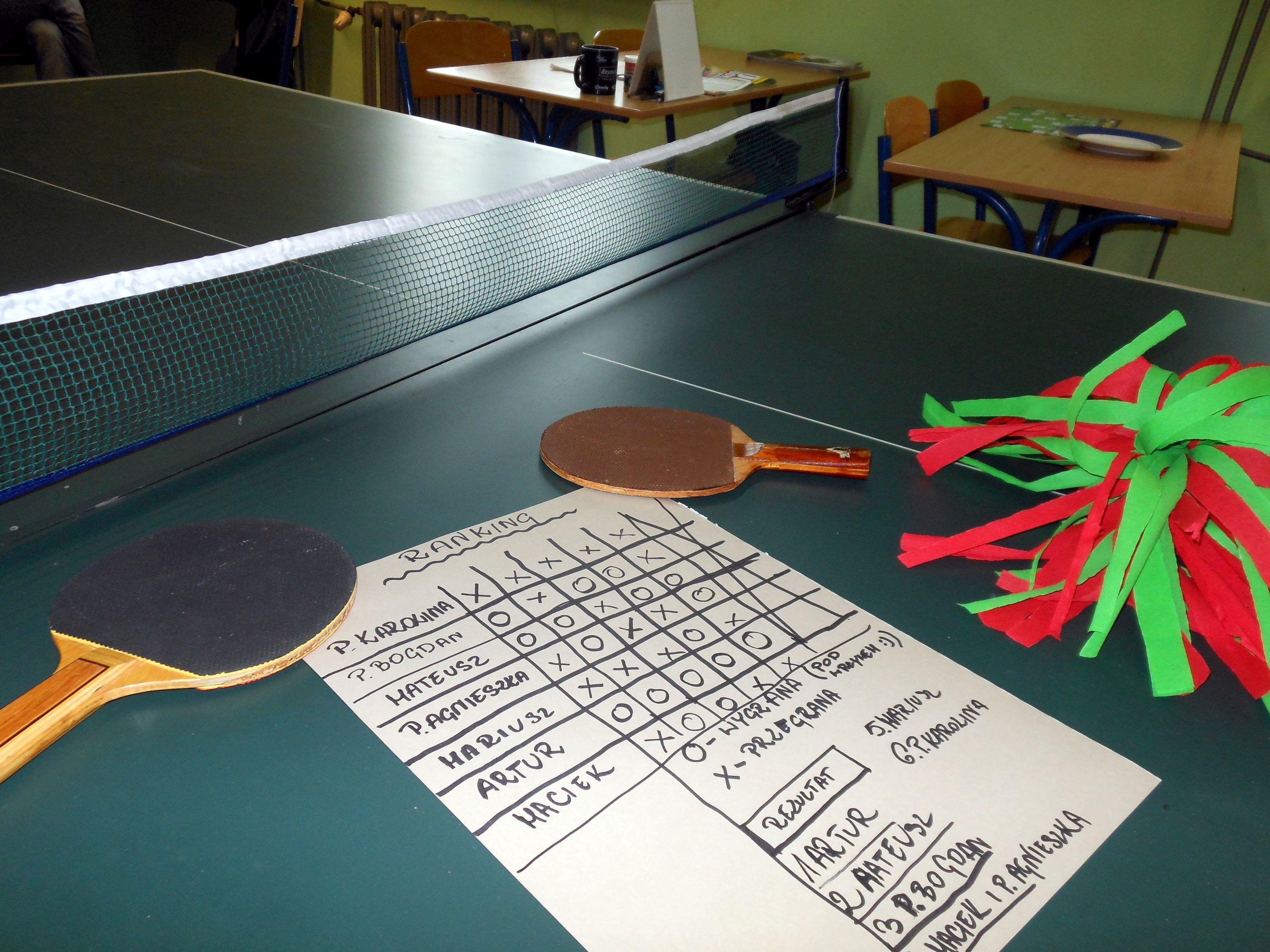 Turniej tenisa stołowego w Noclegowni